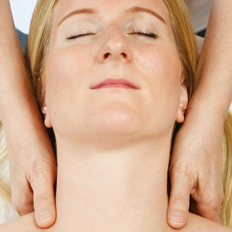 Schilddrüsenmassage